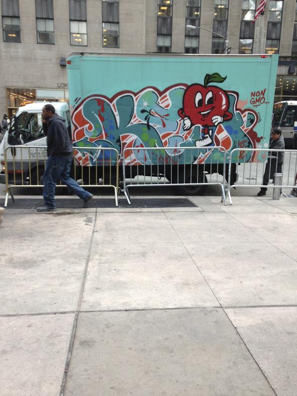 1xRun_Features_Iphone_Graffiti-14