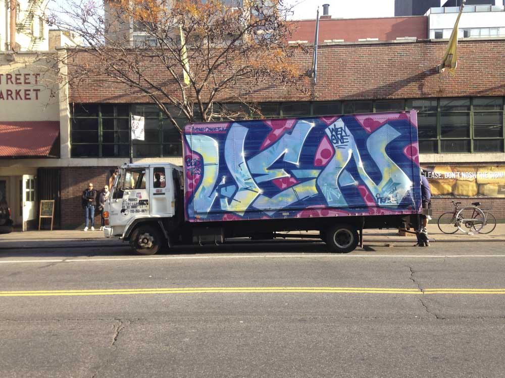 1xRun_Features_Iphone_Graffiti-17