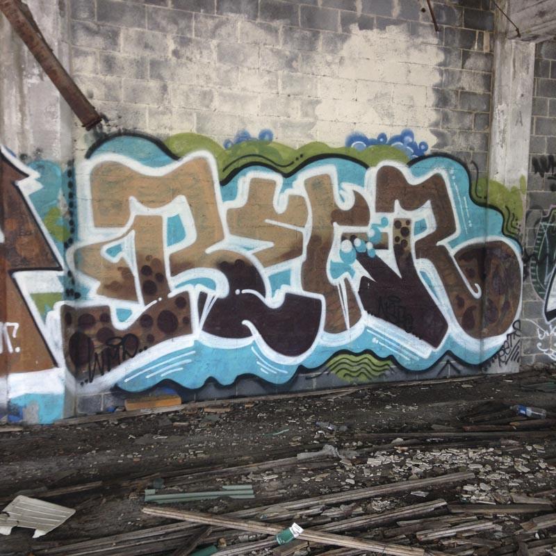 1xRun_Features_Iphone_Graffiti-29