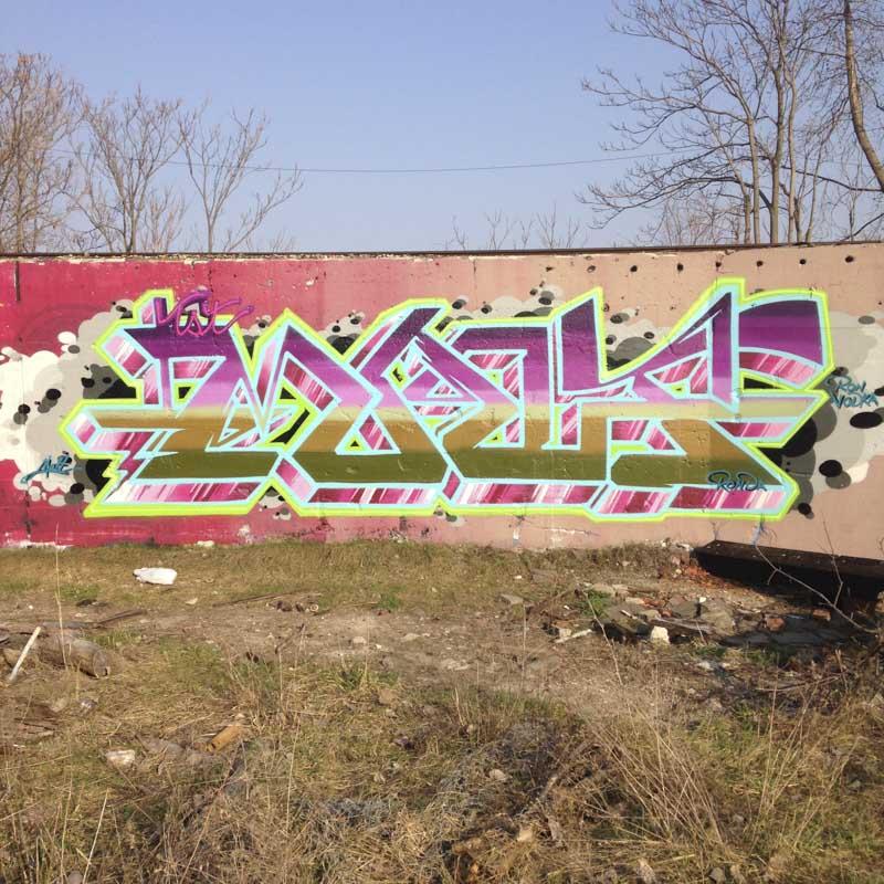 1xRun_Features_Iphone_Graffiti-37