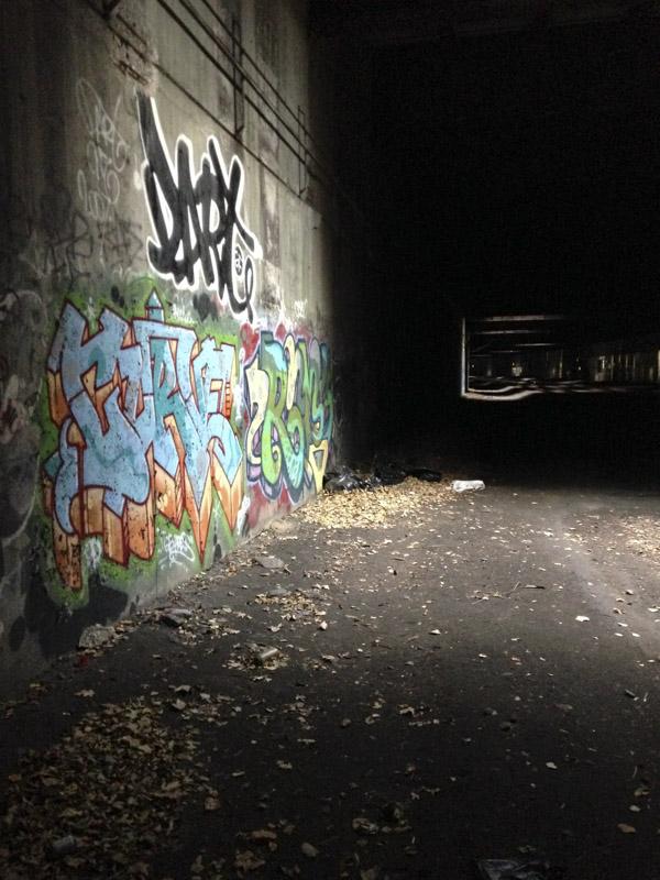 1xRun_Features_Iphone_Graffiti-6