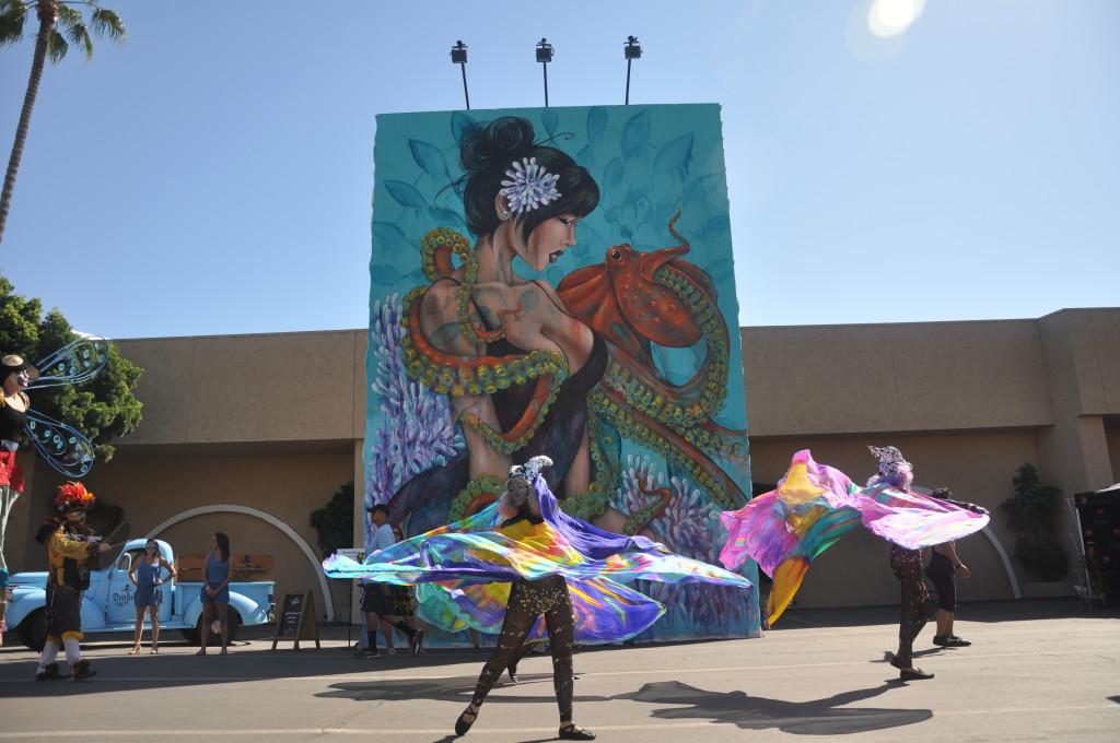 Day Crowd_Dancers Shot 3 w: AmamdaLynn's mural_Photo by Jason Wilson