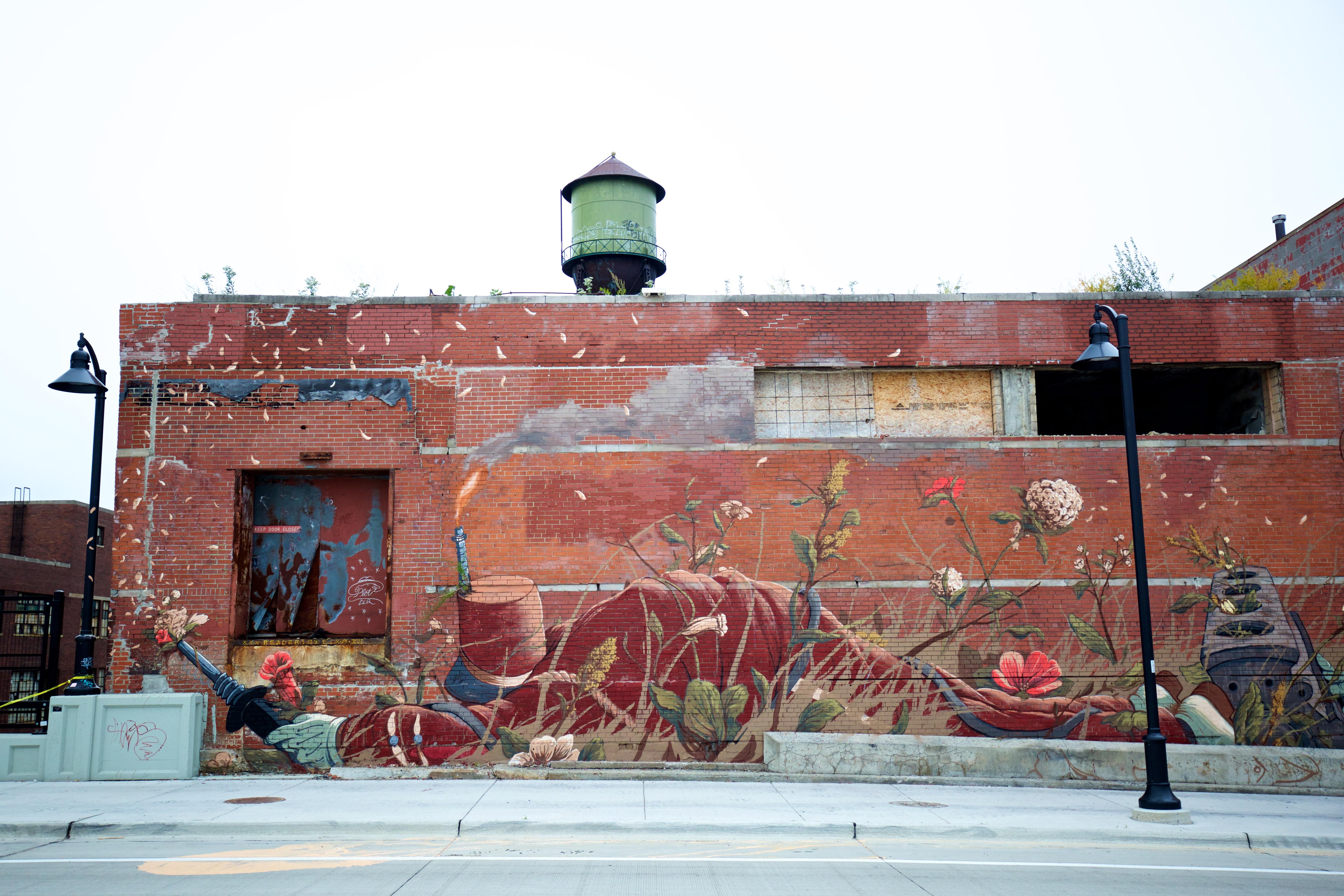 pat-perry_muralsinthemarket_1xrun_finished-walls-2