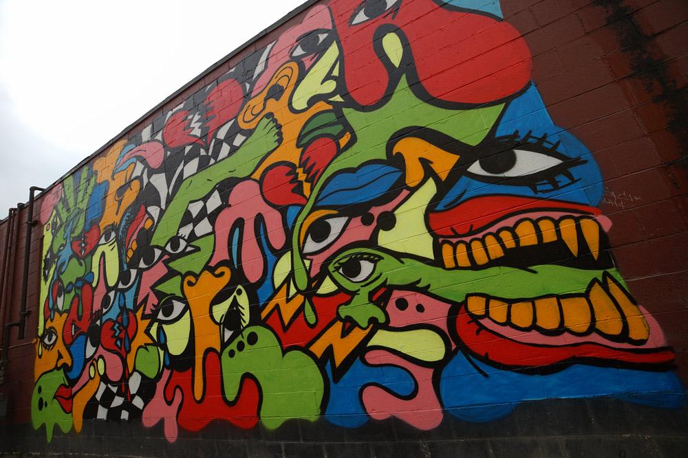 sheefy_1xrun_muralsinthemarket_halopigg_finishedwalls-web